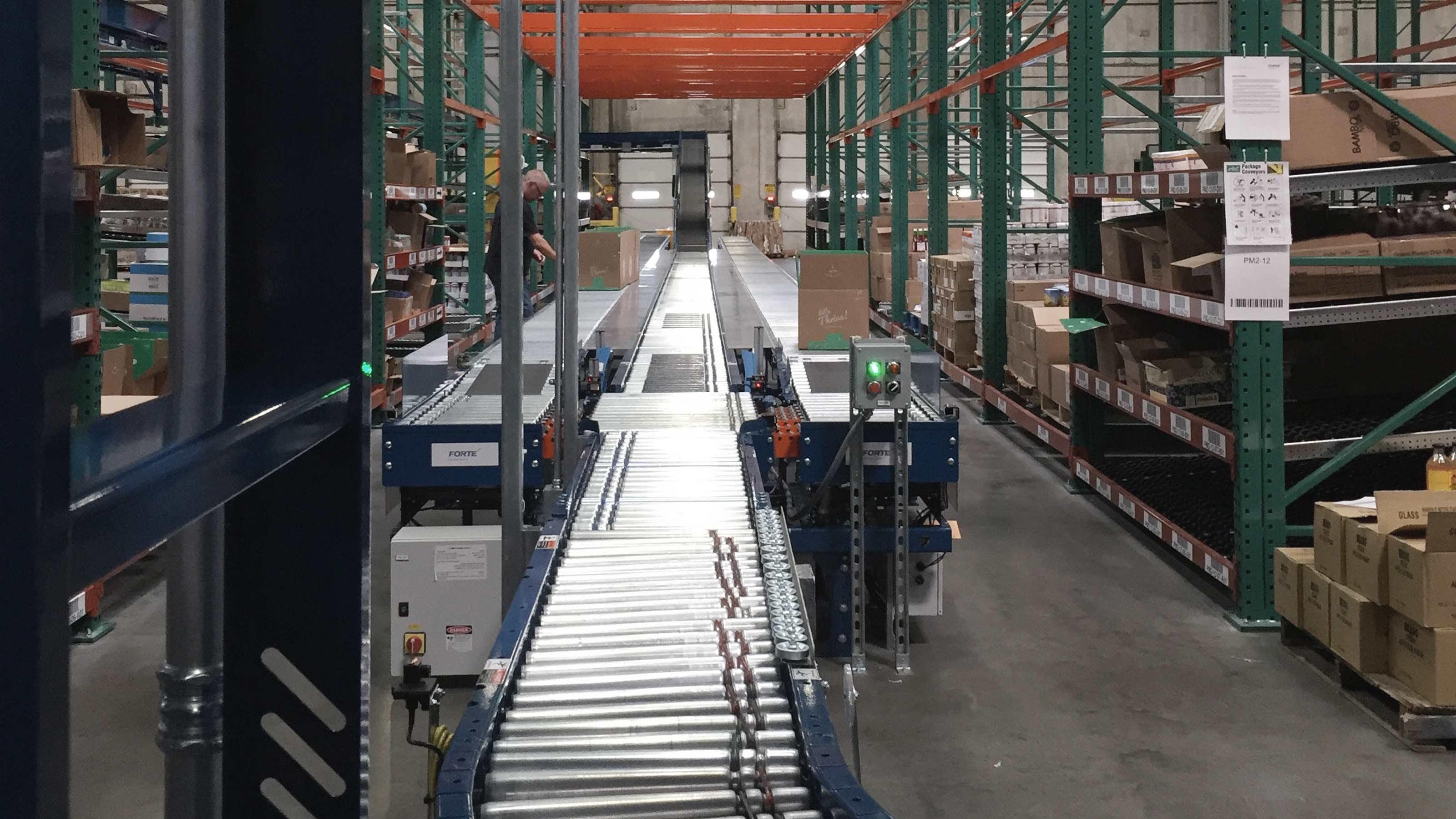 Thrive Market e-commerce distribution center | Swisslog