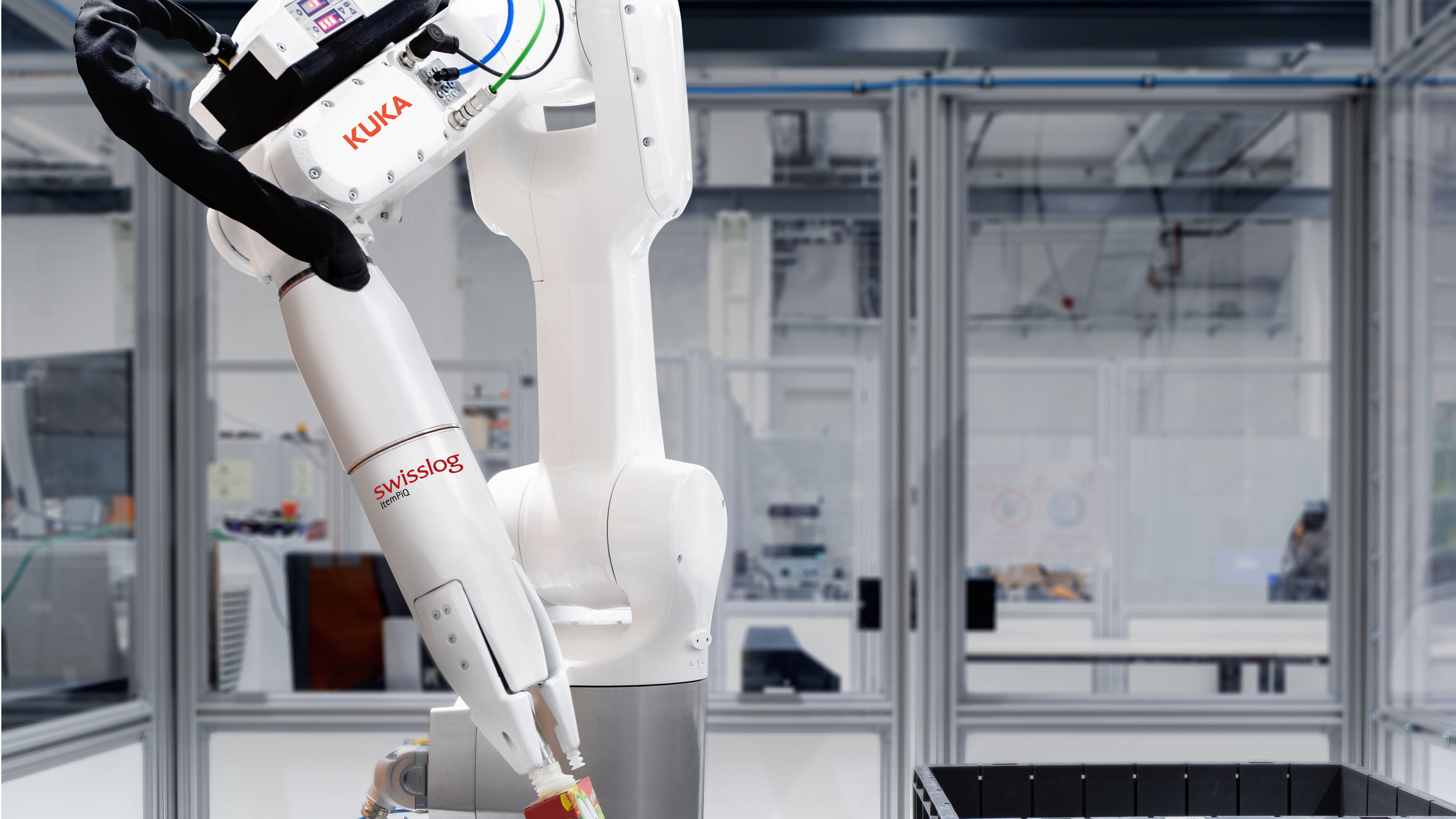 Swisslog itempiq efficient robot based automated order