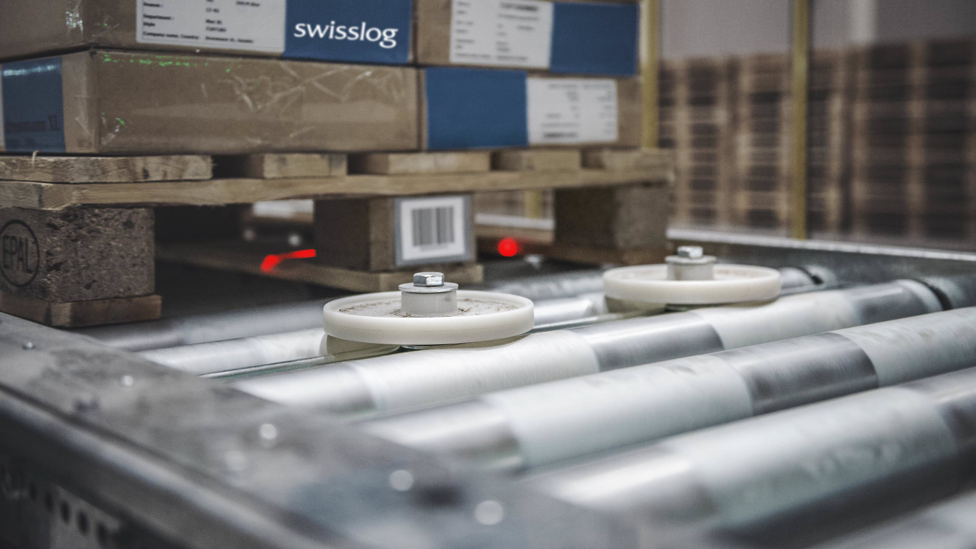 Swisslog promove fast and efficient pallet conveyor